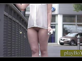 public flash, girl walks naked